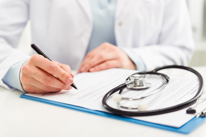 Arzt mit Stetoskop
