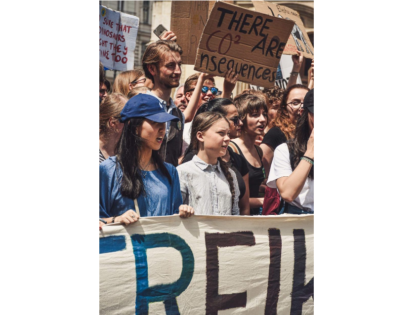 Greta Thunberg und andere Aktivist_innen bei einer Demonstration, (c) Fridays For Future Wien