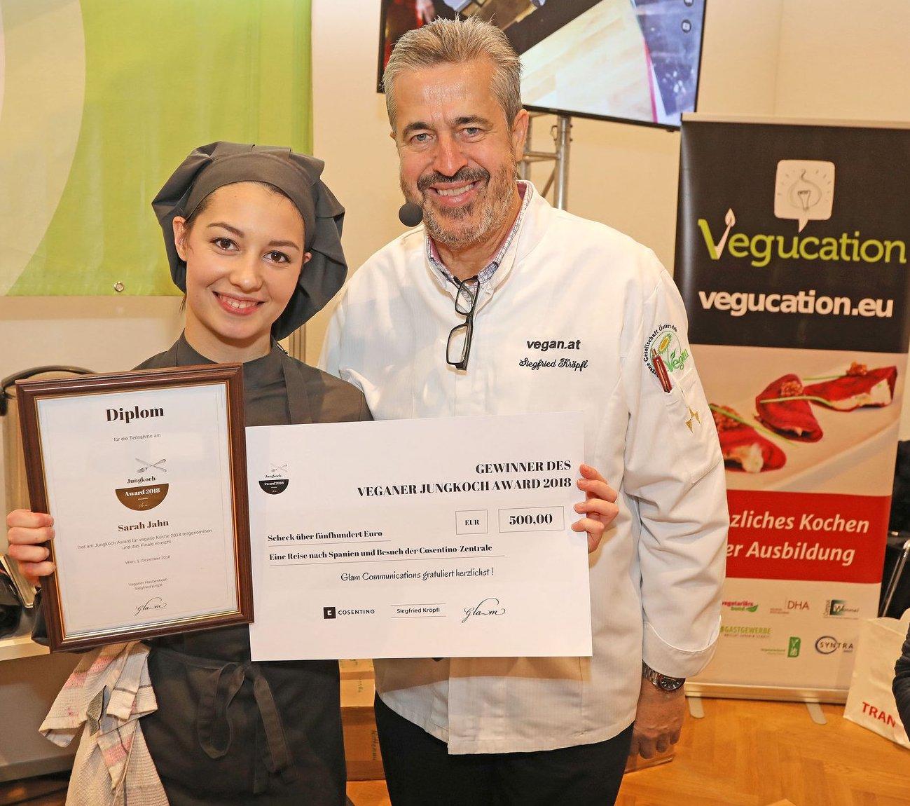 Gewinnerin Sarah Jahn mit Haubenkoch Siegfried Kröpfl