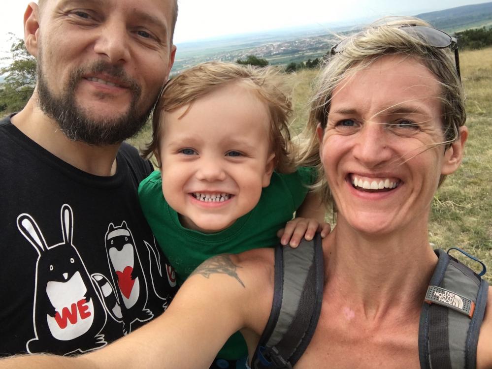 Juri (3) mit seinen Eltern Didi (47) und Katharina (38)