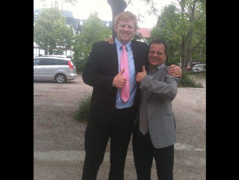 Felix Hnat mit seinem Anwalt Stefan Traxler