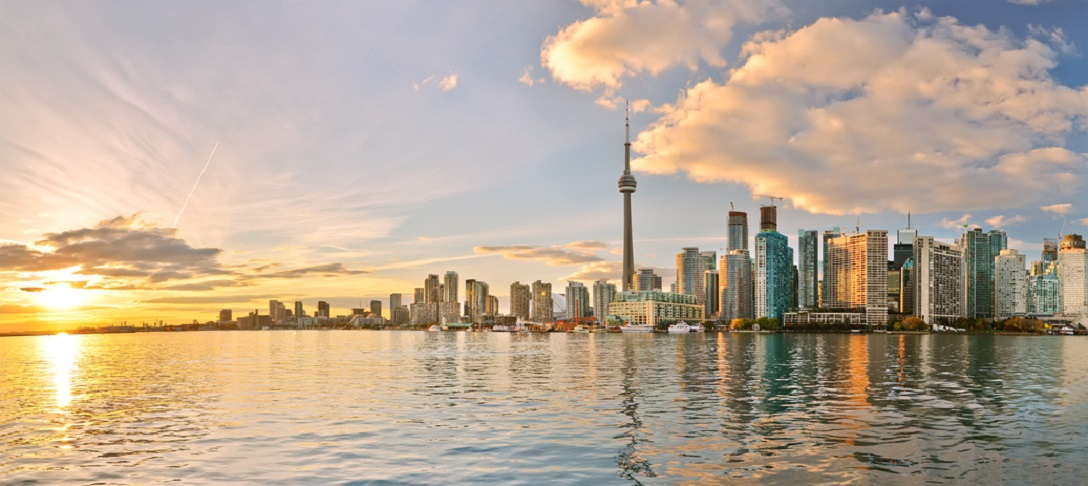 Skyline von Toronto bei Sonnenuntergang